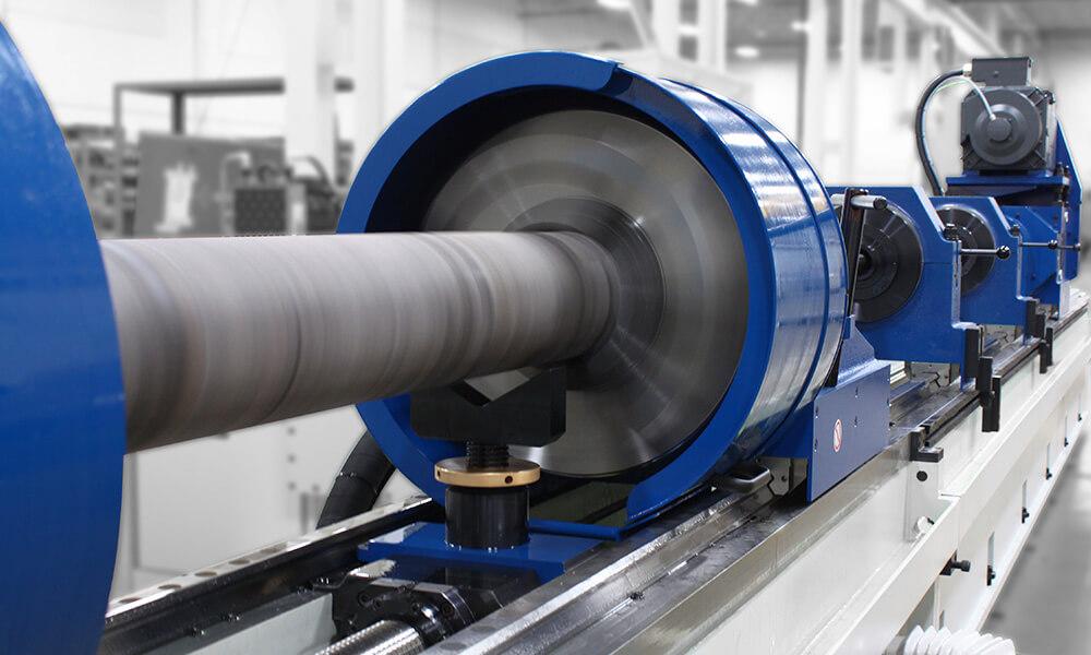 rotating deep hole drilling workpiece