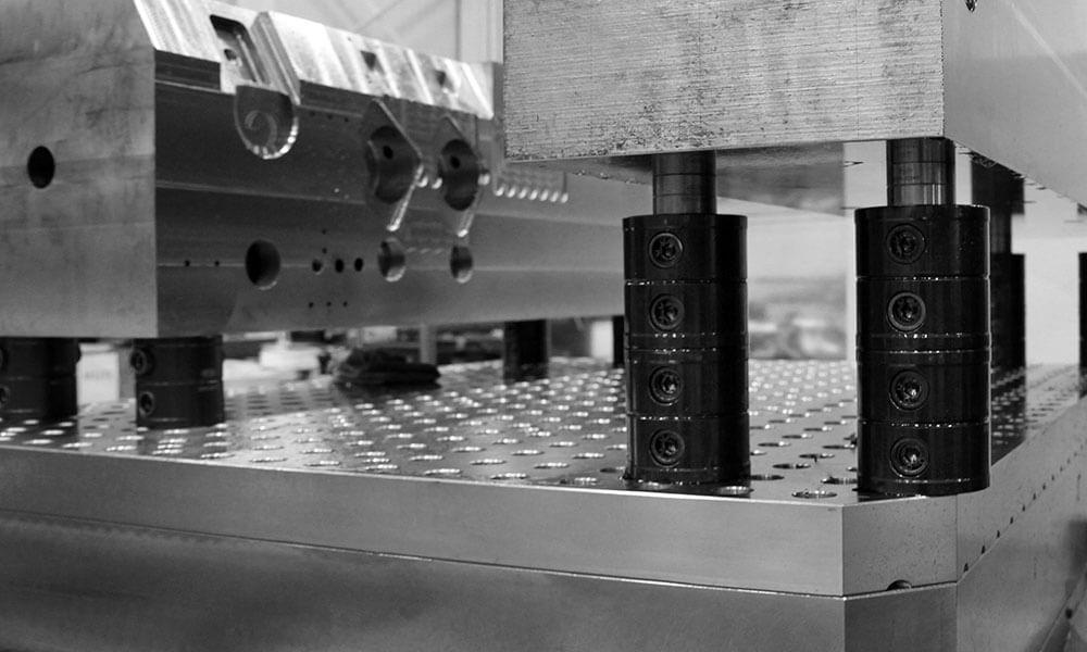 modular fixturing for mold manufacturing