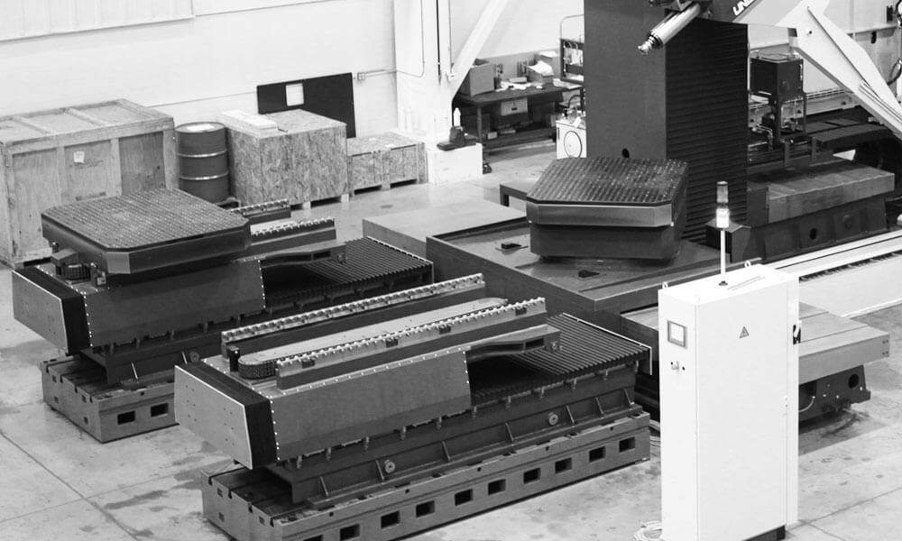 pallet changer on mold manufacturing machine